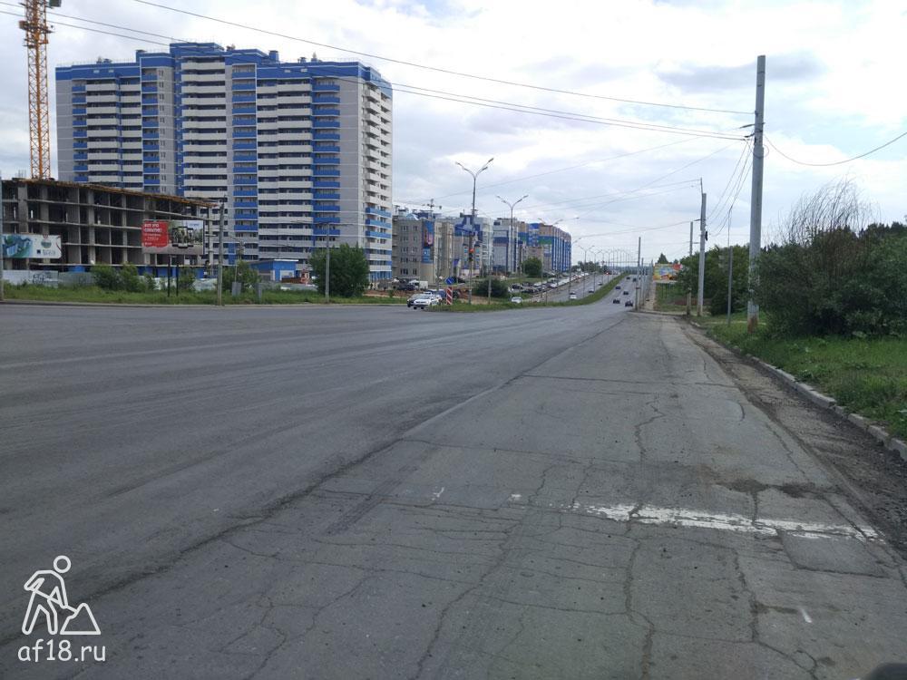 Новый асфальт на 40 лет Победы в Ижевске. Вид в сторону Нефтемаша